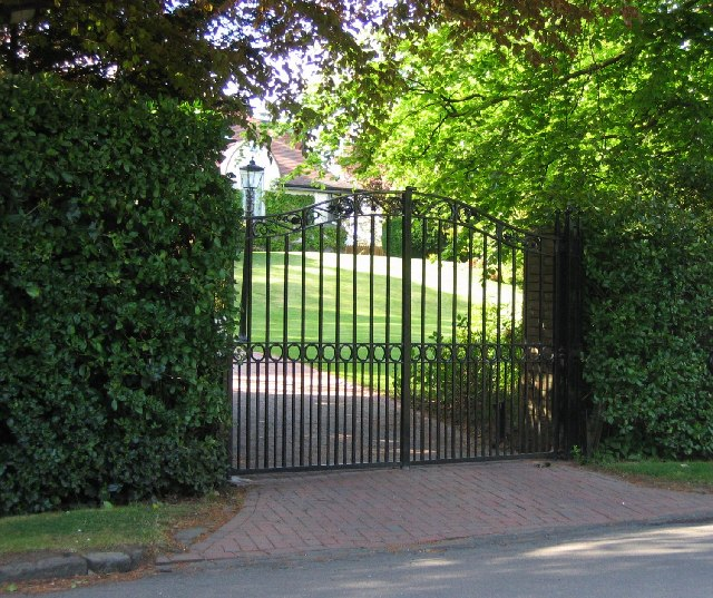 Install automatic gates at home